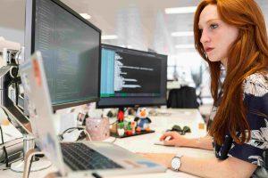Hintergrundbild Pitrium Online Kurse von Industrie Experten